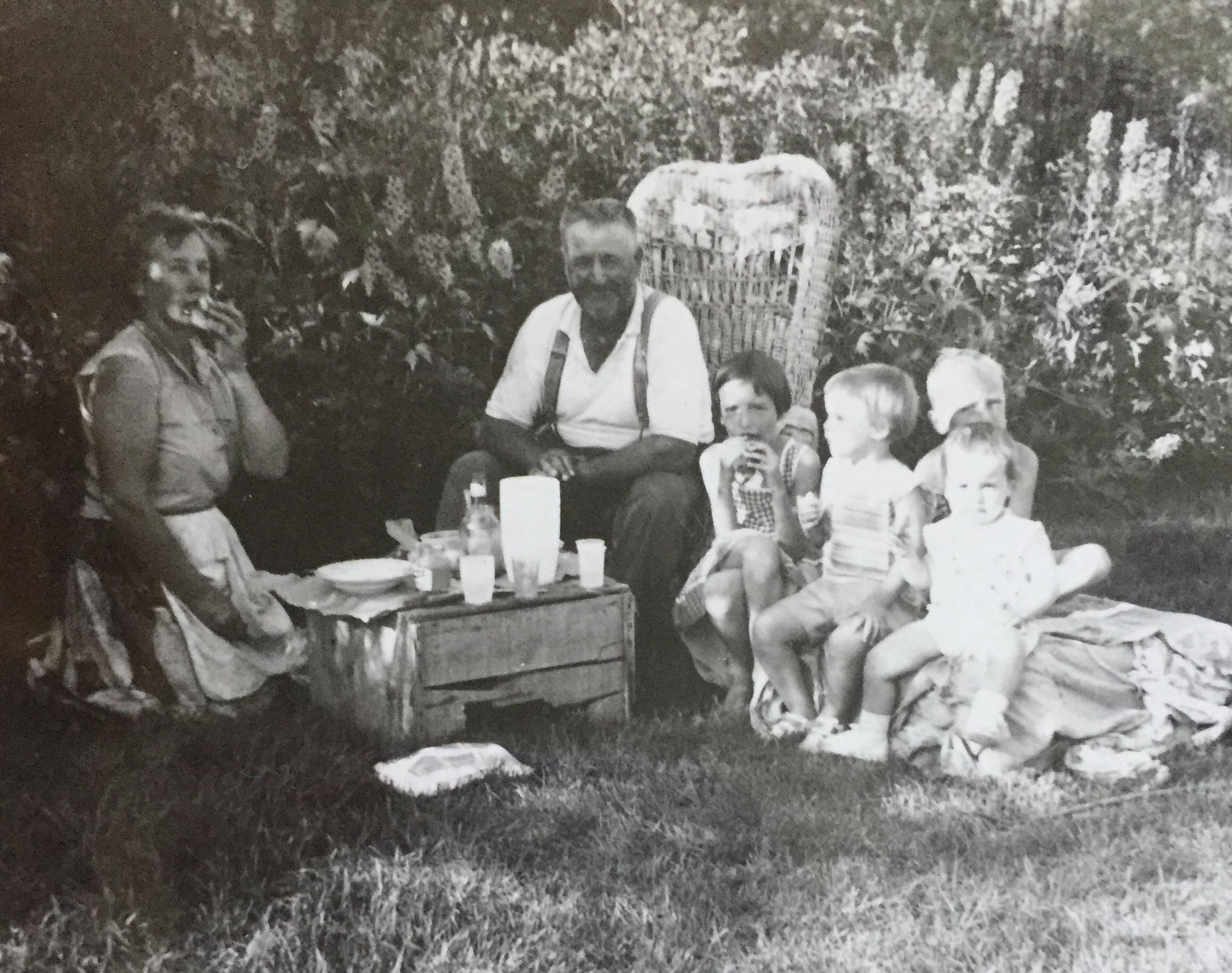 nanny's yard picnic